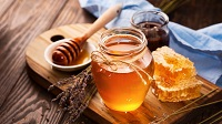 6 Surprising Health Benefits of Honey
