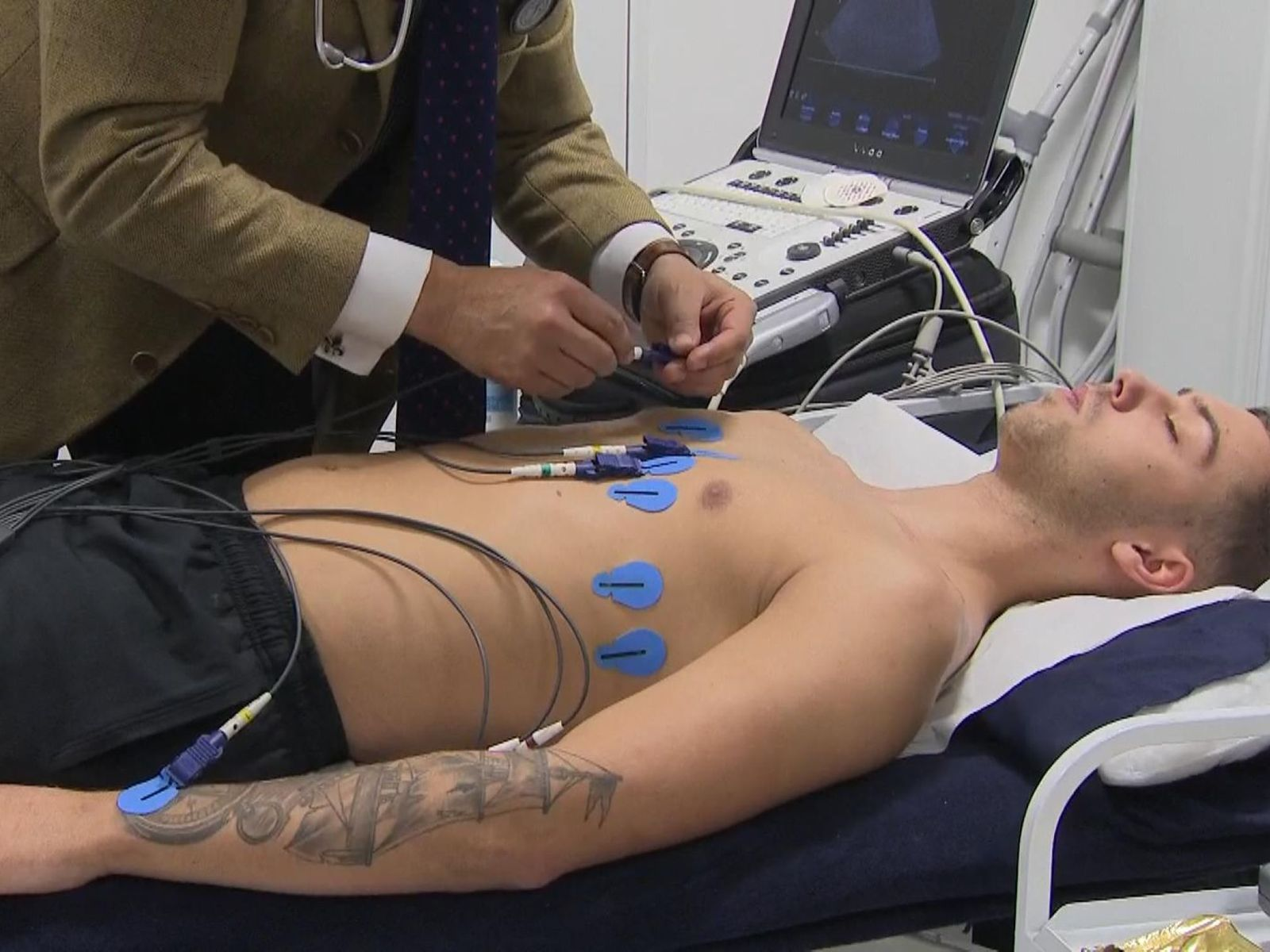 Cyclists to have heart scans amid cardiac arrest fears