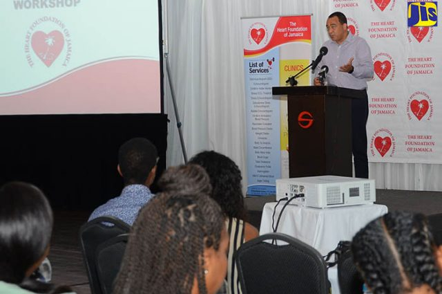 Health Minister Supports Prescreening of Student Athletes