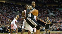 Spurs' LaMarcus Aldridge Cleared To Return After Heart Health Scare